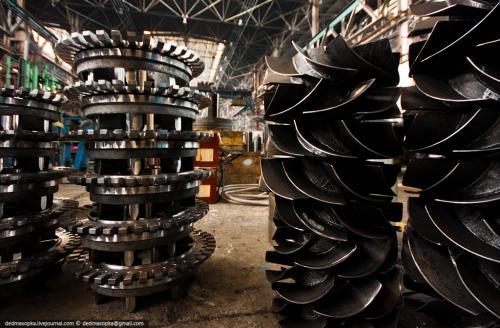 Вентиляторы и крестовины роторов электродвигателей