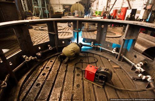 Изготовление частей гидрогенератора для Усть-Хантайской ГЭС