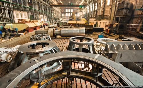 Готовые элементы конструкций  гидрогенератора для Зарамагской ГЭС.